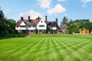 buy luxury property in Hoddesdon with dockleys.com